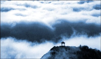 The wonderful clouds above Mount Taishan.