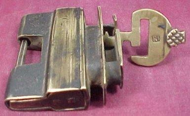 Brass lock 'n key from Qing Dynasty.