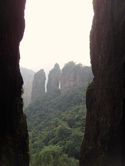 Double Bamboo Peaks in the Lingfeng Yangdang Mountain.